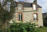Location vacances Poullan-sur-Mer - Maison de Pecheur 1930-1