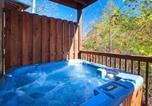 Location vacances Gatlinburg - Mountain Dreams - Five Bedroom Home-2