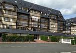 Location vacances Villers-sur-Mer - Résidence Les Colombières-1