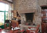 Location vacances Margueray - Holiday Home Hambye with a Fireplace 04-3