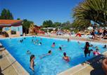 Camping avec Ambiance club Olonne-sur-Mer - Camping Le Puits Rochais-1