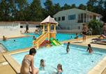 Camping avec Piscine Nesmy - Camping Les Dunes-1