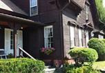 Location vacances Burlington - 1860 House Inn and Rental Home-4