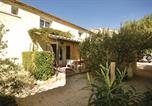 Location vacances Monteux - Studio Holiday Home in Monteux-1