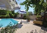 Location vacances Entraigues-sur-la-Sorgue - Apartment Allée de la Marmotte O-849-2