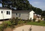 Camping avec Quartiers VIP / Premium Lannion - Camping de la Récré – Le Village Loisirs-2
