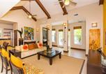 Location vacances West Bay - Papaya Cottage Home-2