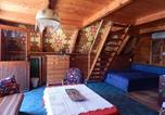 Location vacances Göd - Retro Wood House-2