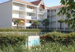 Location vacances  Charente-Maritime - Holiday home Jardins De L'ocean Vi Vaux Sur Mer-2