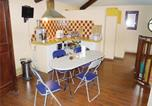 Location vacances Bouc-Bel-Air - Apartment Rue des Baux L-828-2
