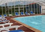 Camping avec Piscine Beaumont-Hague - Camping du Golf-1