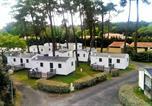 Camping Charente-Maritime - Village Vacances Sous les Pins-1