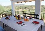 Location vacances Peñaflor - Holiday Home La Puebla de los Infa with a Fireplace 05-2