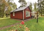 Location vacances Skövde - Two-Bedroom Holiday Home in Falkoping-3