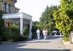 Hôtel Hatfield - De Vere Venues Ponsbourne Park-3