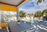 Location vacances Sanet y Negrals - Villa Beni-4