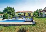 Location vacances Labin - Holiday home Kature I-2