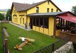 Location vacances Mladé Buky - Penzion Borneo-2
