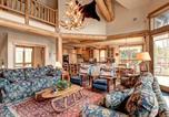 Location vacances Durham - Mountain Bear Lodge Home-1