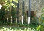 Location vacances Moux - La Maison Du Ruisseau-1