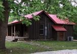 Location vacances Bentonville - War Eagle Homestead Cabin-2