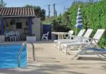 Location vacances Forcalqueiret - Three-Bedroom Holiday home Gareoult with a Fireplace 02-4