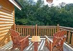 Location vacances Townsend - Rustic Cinema Lodge by Sugar Maple Cabins-1