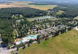 Camping avec Piscine couverte / chauffée Loches - Domaine De Dugny-1