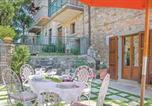 Location vacances Chiusi della Verna - Two-Bedroom Holiday home Chitignano with a Fireplace 02-4