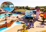 Camping avec Accès direct plage Saint-Gilles-Croix-de-Vie - Capfun - Domaine les Dauphins Bleus-1