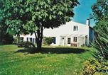 Hôtel Saint-Hilaire-de-Villefranche - Cynlyns Le Ruisseau dans Le Marais-1