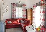 Location vacances La Roque-sur-Pernes - Holiday Home Pernes les Fontaines with Fireplace I-2