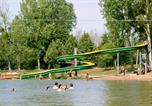 Camping en Bord de lac Marçon - Moncontour Active Park-1