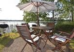Location vacances Karlstad - Three-Bedroom Holiday Home in Forshaga-1