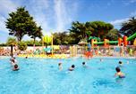 Camping avec Parc aquatique / toboggans Aytré - Camping Les Peupliers-1