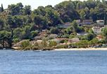 Location vacances Fos-sur-Mer - Villa les Pieds dans l'Eau-3