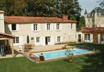 Location vacances La Chapelle-Thémer - Five-Bedroom Holiday Home in Bourneau-1