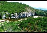 Camping en Bord de rivière Berrias-et-Casteljau - Camping les Actinidias-3