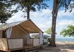 Camping  Acceptant les animaux La Flotte - Campéole Le Platin-1