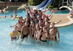 Camping avec Parc aquatique / toboggans Saint-Lô-d'Ourville - Camping Domaine de la Ville Huchet-2
