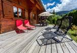 Location vacances Les Villards-sur-Thônes - The Red Yeti Lodge-1