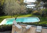 Location vacances Giens - Villa in Hyeres-1