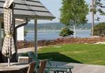 Location vacances Stenungsund - Four-Bedroom Holiday home in Hjälteby-3