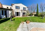 Location vacances Venelles - Inviting Provencal Villa-4
