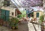 Location vacances Auros - Chambres d'hôtes et Gîte Sous La Tonnelle-1