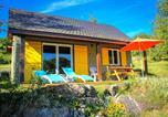 Location vacances Bort-les-Orgues - Chalets de l'Eau Verte et Spa-1