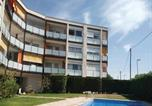 Location vacances Castelldefels - Two-Bedroom Apartment in Castelldefels-1