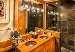 Location vacances Whistler - Luxury 2 Bedroom Condo with Hot Tub-2