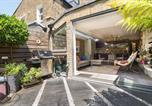 Location vacances Hammersmith - Veeve - Two Bedroom Garden Apartment in Fulham-3