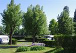 Camping Lyon - Cité Centre de Congrès - Sites et Paysages Camping Kanopée Village-1